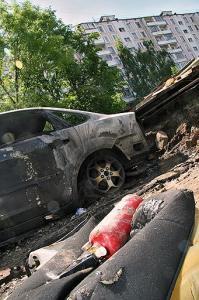 Неуловимый пироман сжег еще один автомобиль в Москве
