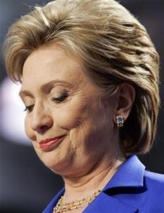 Непризнание ошибки стоило Клинтон лидерства в президентской гонке у демократов