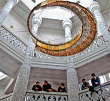 В Британии построена первая эко-мечеть