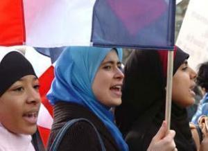 """На выборах во Франции победили """"умеренные мусульмане"""""""