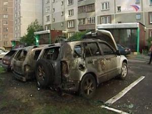 Костры из автомобилей заполыхали по всей России