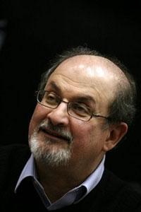 Иран осудил присвоение рыцарского звания С. Рушди
