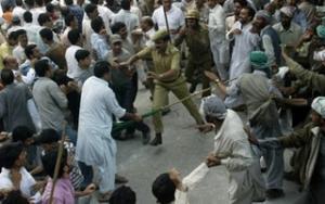 Индийская полиция расстреляла митинг кашмирских мусульман