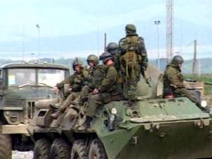 Кадыров заявляет о необходимости освободить земли, самовольно занятые федеральными военными