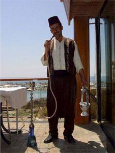 """Ливан занял второе место в мире по числу """"хронических"""" курильщиков табака"""