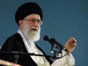 Аятолла Хаменеи поддержал Махмуда Ахмадинежада в намерении баллотироваться на второй президентский срок