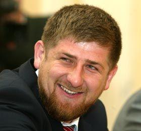 Рамзан Кадыров приготовил олимпийским чемпионам Исламбеку Альбиеву и Бувайсару Сайтиеву ценные подарки
