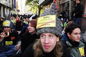 Протестующих левых на улицах Кёльна было в субботу больше, чем националистов
