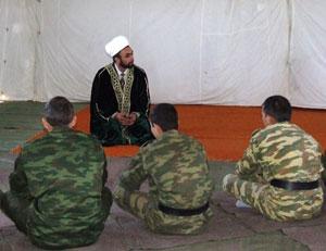В лагере зенитно-ракетного полка открыта мечеть