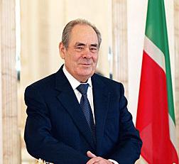 Минтимер Шаймиев вернулся из отпуска в Казань