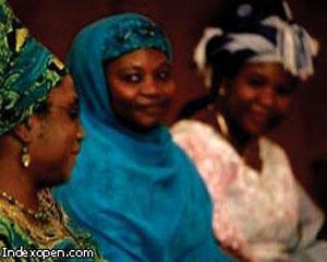 Нигериец согласился развестись с 82 женами по требованию шариатского суда