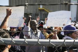 В США сотни мусульман уволены за молитву во время работы