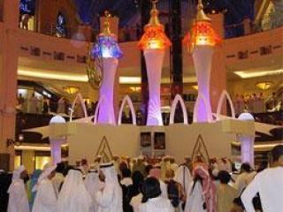 Дубаи впервые проводит праздничные торжества в торговых центрах