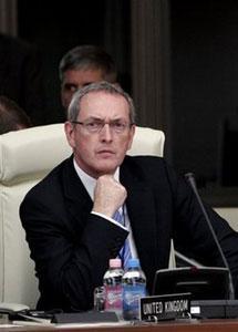 Министр обороны Британии призвал НАТО к продолжению активных действий в Афганистане
