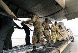 Число жертв землетрясения в Пакистане продолжает расти