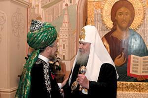 Вслед за РПЦ Таджуддина наградил президент России
