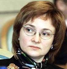 Владимир Путин подарил Эльвире Набиуллиной букет роз