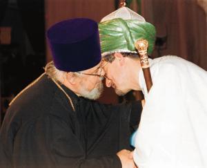 В РПЦ отметили заслуги Таджуддина, наградив его церковным орденом