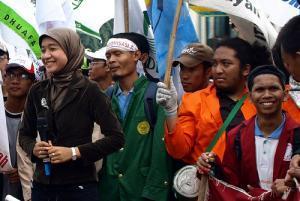 Индонезийцы потребовали принять закон против порнографии