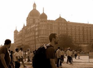 Кто стоит за событиями в Мумбаи