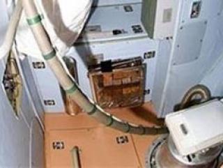Астронавты отмечают Всемирный день туалетов установкой нового санузла на МКС