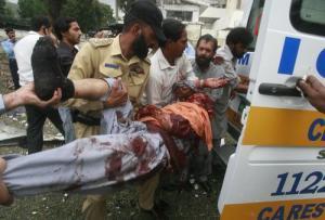 США снова бомбят жилые кварталы в Пакистане