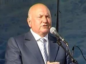 Лужков: Выборы губернаторов – хорошо, но надо сосредоточиться на финансовом кризисе