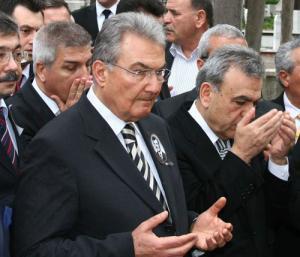 Лидер наследников Ататюрка: Мы должны выказывать уважение к праву людей одеваться