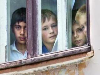 «Незнайка» в Подмосковье: помогите беспризорникам отремонтировать дом