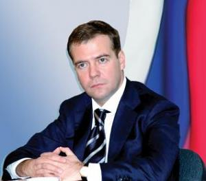 Медведев за жесткую реакцию на преступления на национальной почве