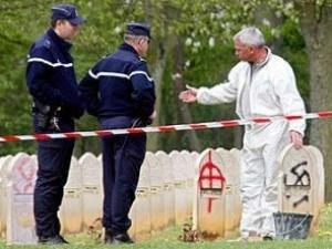 Во Франции осквернены могилы ветеранов-мусульман