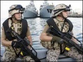 Немецкие моряки разоружили пиратов, и отпустили их на свободу