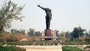 Сторонники Саддама Хусейна почтили его память