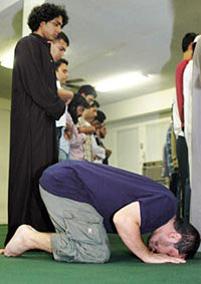 Американская церковь приглашает мусульман на намаз