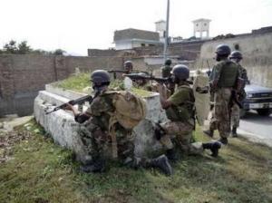 Пакистан интенсивно развертывает войска на границе с Индией