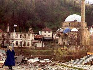 Мусульмане требуют ареста поджигателей мечети в Боснии