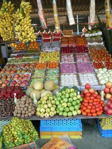 Из-за кризиса в ОАЭ цены на 44% продовольственных товаров снизились