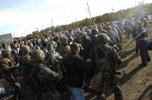 Крымские власти привлекают для сноса татарского поселка войска и резервируют места в больницах