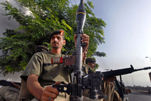Снабжение международных сил в Афганистане было прервано из-за атаки партизан