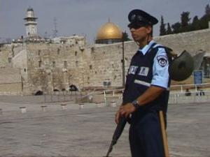 Израильские спецслужбы: Мечеть Аль-Акса – для тех, кому за 45