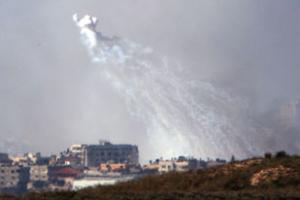 Жителей Газы жгут белым фосфором
