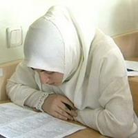 Начальник РОНО против хиджаба, родители – против начальника РОНО