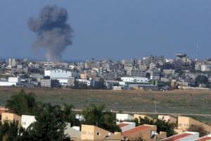 Израильские ВВС бомбят сектор Газа