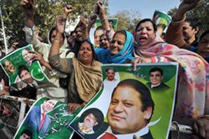 Экс-премьер Пакистана Шариф призывает народ к протестам