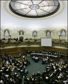 Церковь Англии запретила священникам состоять в правой партии