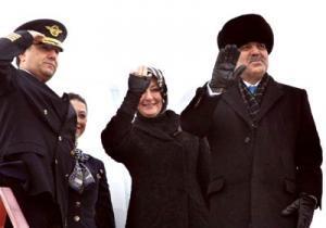 Супруга президента Турции совершила намаз в мечети Кул Шариф