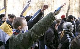 Правоохранительные органы задержали 16 националистов в центре Москвы