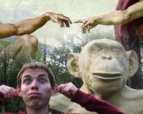 В сотворение человека Богом в России верят больше, чем в происхождение от обезьян