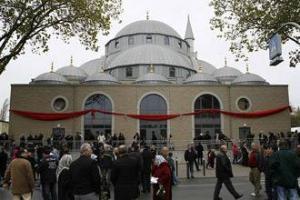 Новая мечеть Дуйсбурга ставит рекорды посещаемости среди немусульман