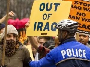 Годовщину вторжения в Ирак в США отметили массовыми протестами